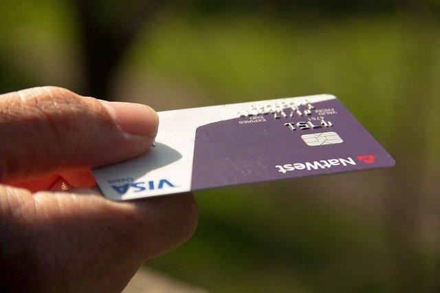 Carta di Debito: Cos'è, Come Funziona, Differenza tra Carta di Credito e Carta di Debito